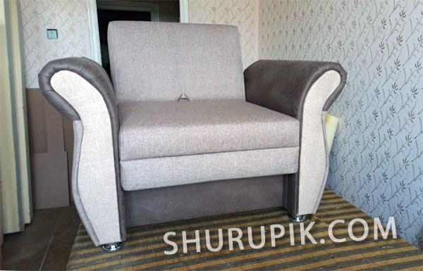 Сколько стоит обшить мягкое кресло новой тканью